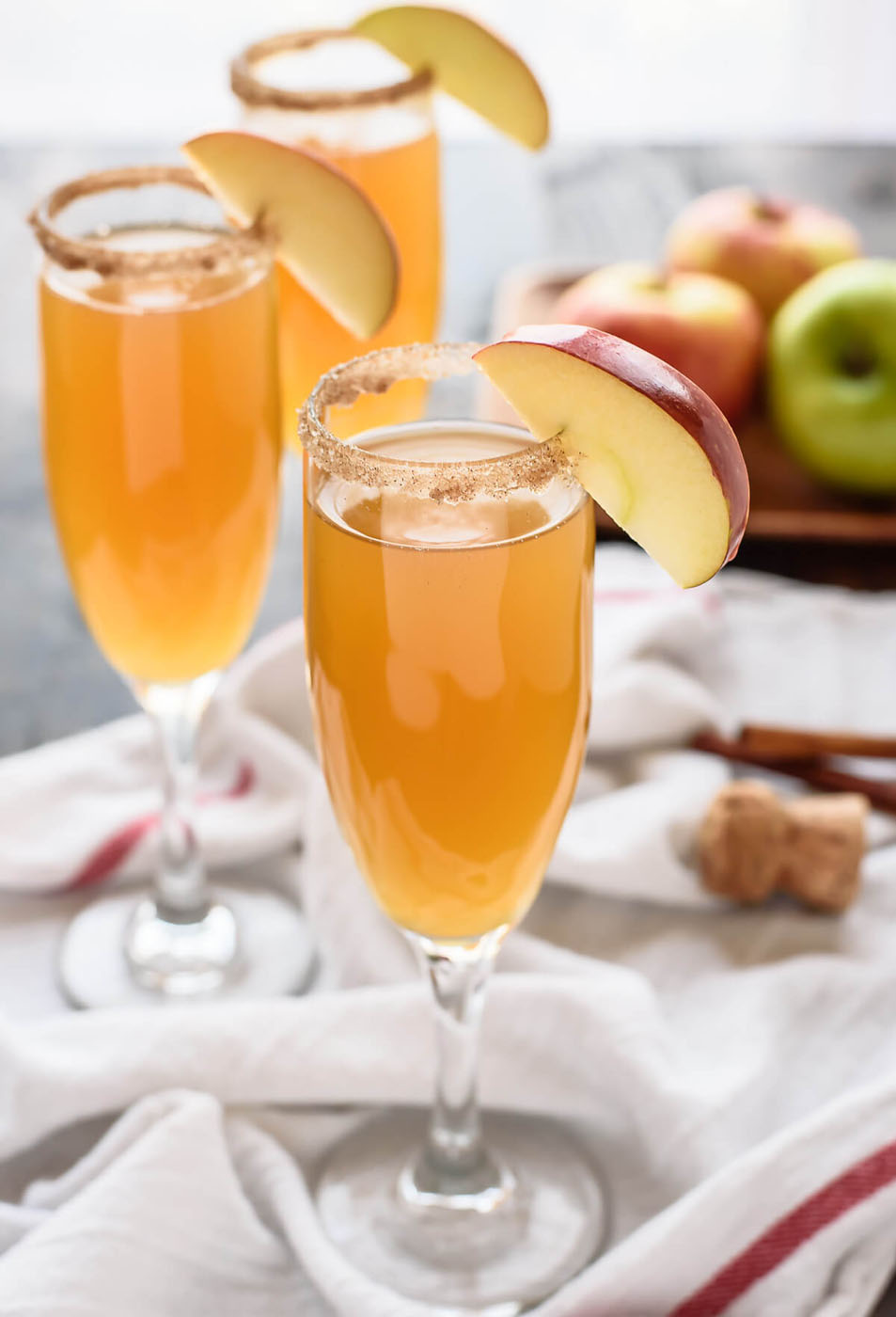 apple-cider-champagne-cocktails-recipe