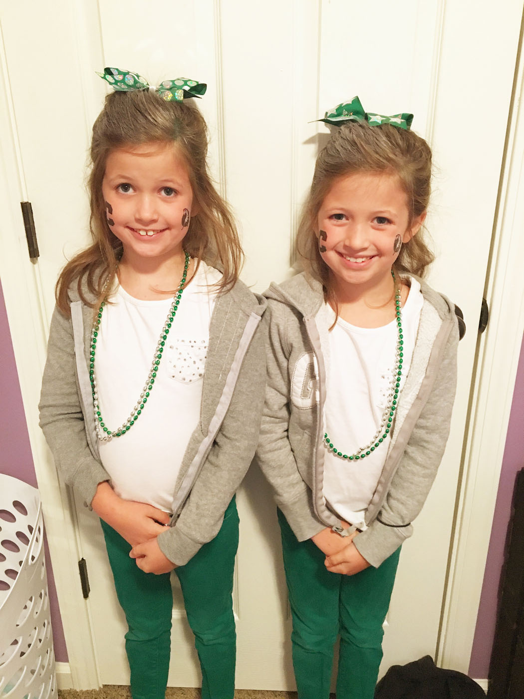twin_girls_spirit_week_2