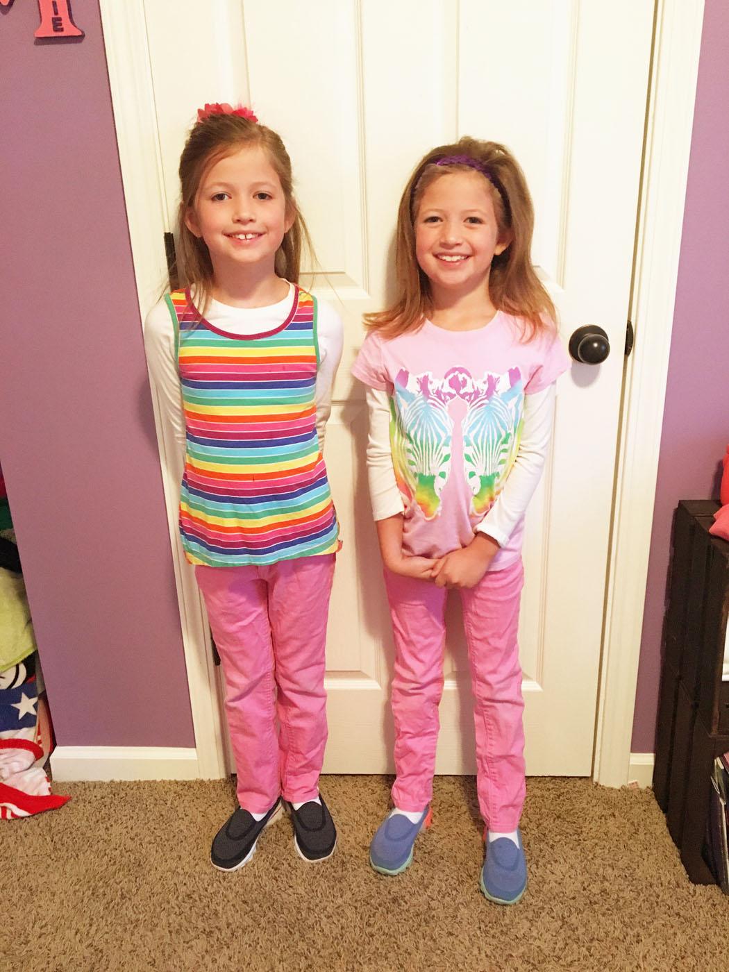 twin_girls_spirit_week_4